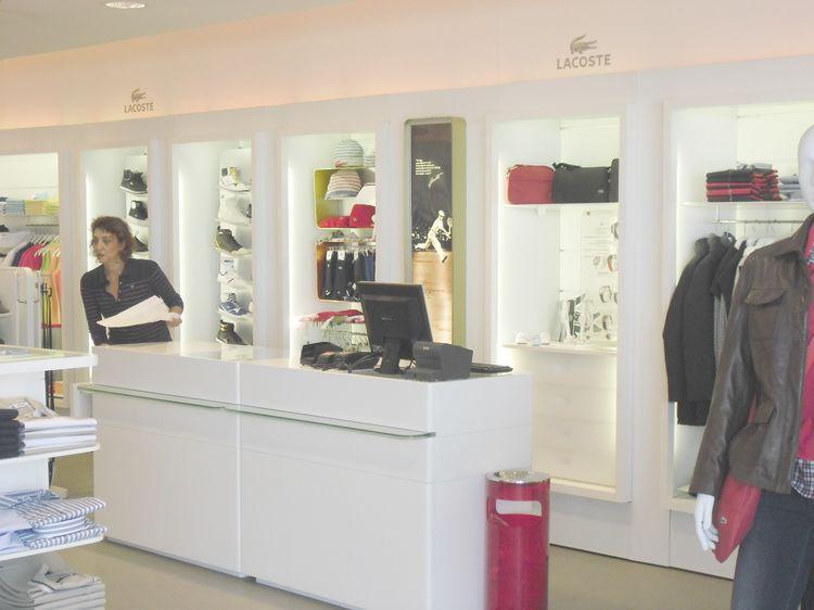 Espositori per occhiali compra in fabbrica a prezzi bassi for Subito torino arredamenti